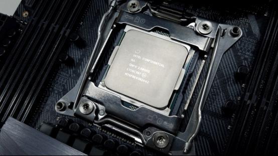 ��nm:$�:i��i-9�*_最强最贵就是它,core i9 7980xe至尊版处理器深度研究